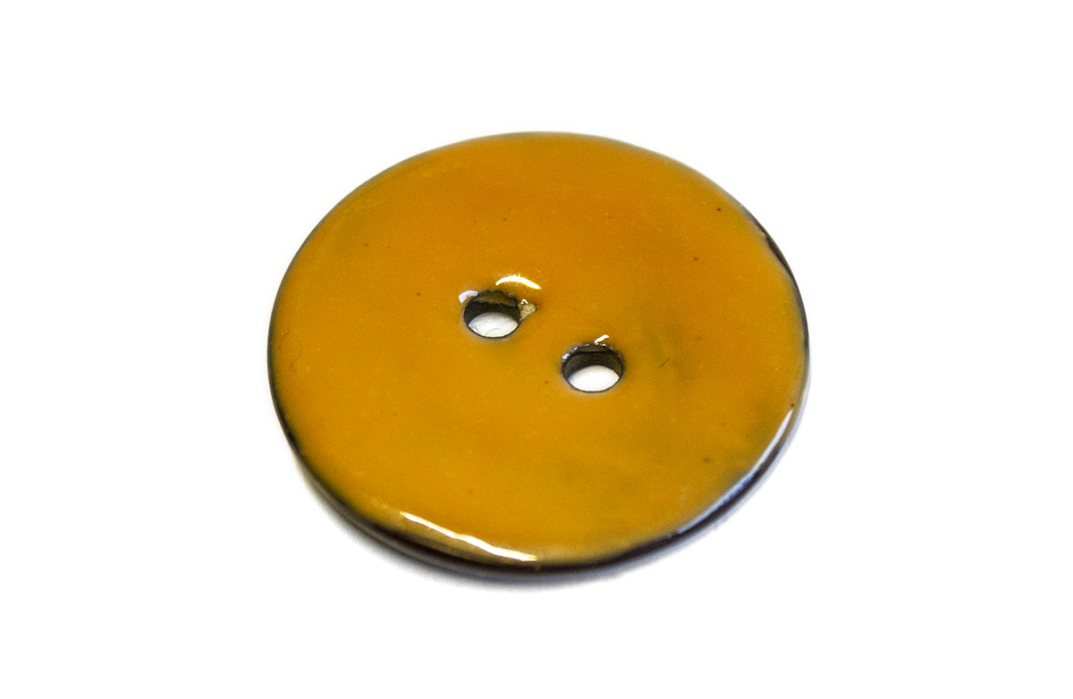 2 HOLE GLAZED COCONUT BUTTON LIGHT ORANGE