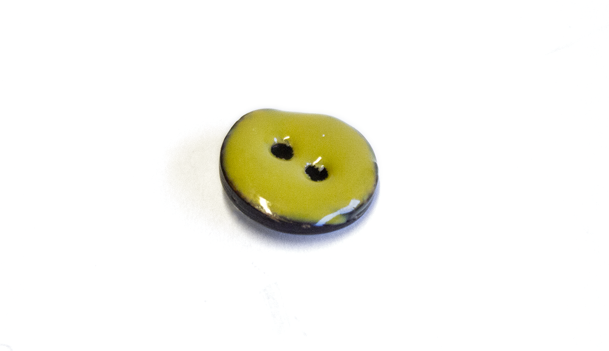 2 HOLE GLAZED COCONUT BUTTON LIME GREEN