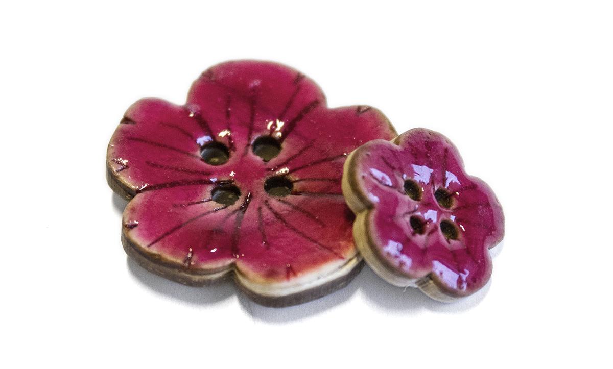 4 HOLE GLAZED COCONUT FLOWER BUTTON PINK