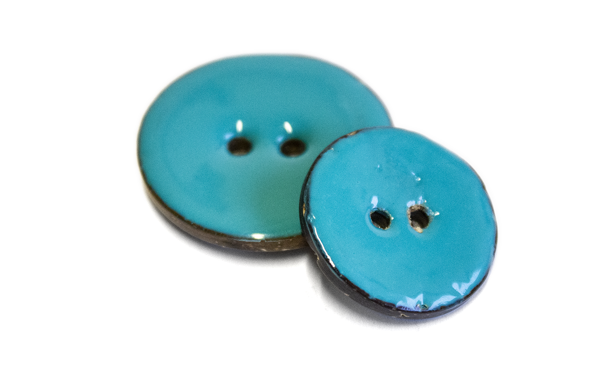 2 HOLE GLAZED COCONUT BUTTON TURQUIOSE