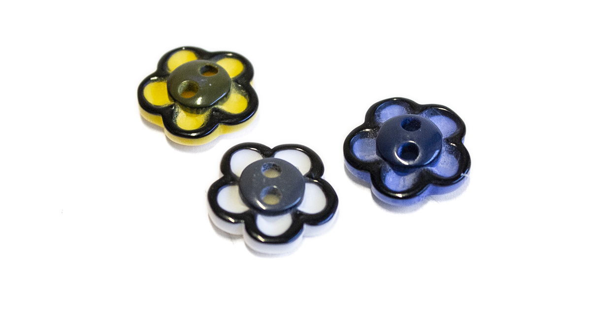 2 HOLE FLOWER BUTTON