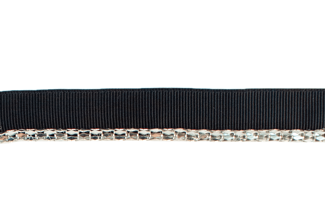 RIBBON W/ ROUND SILVER PIPING