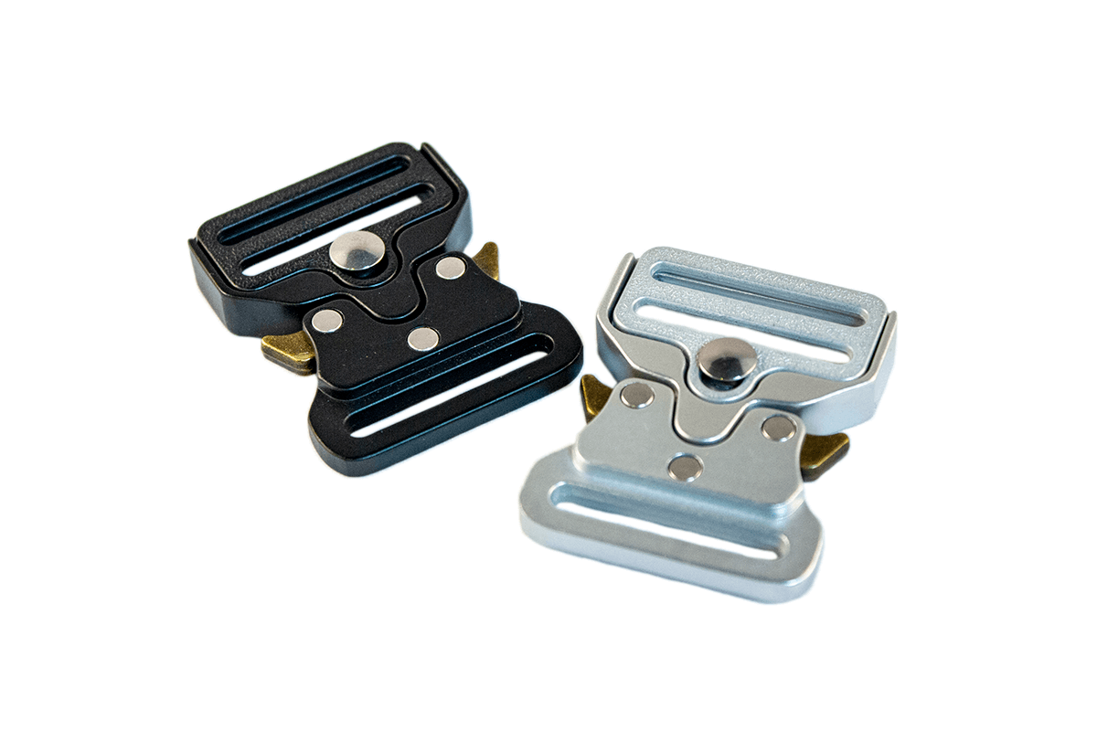 METAL BUCKLE – SILVER AND BLACK