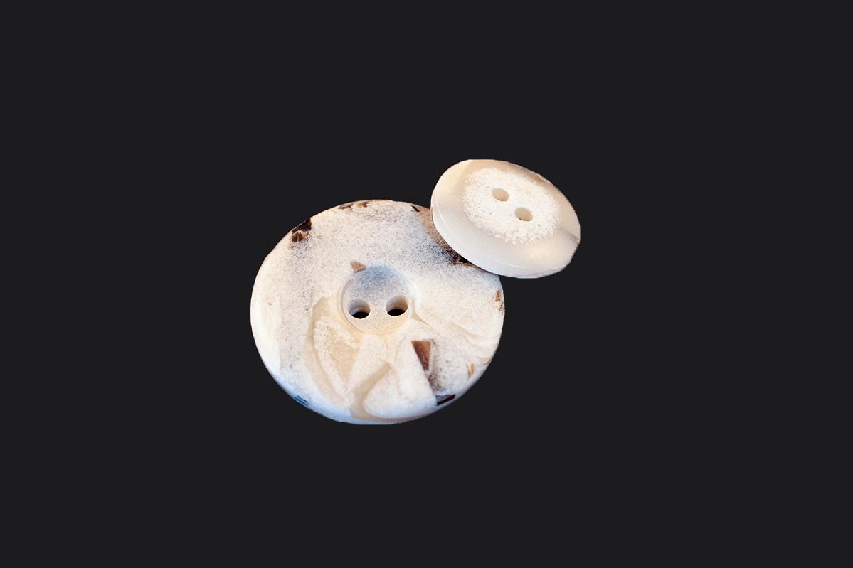 2 HOLE BUTTON W/ PATTERNS – WHITE