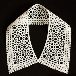Embroidery collar with circle lace pattern