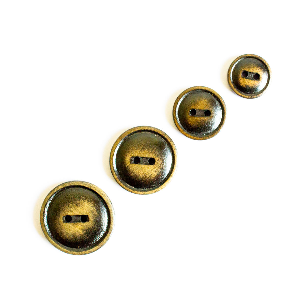 2 HOLE WOOD BUTTON W/ PATINA LOOK